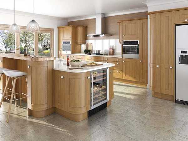 2 Shaker Linwood Kitchen in Oak
